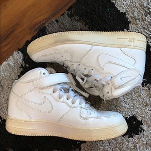 white high top nike air force 1s (size 5)